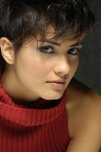 صور الممثلة التركية Tuba büyüküstün (لميس) Tuba_15