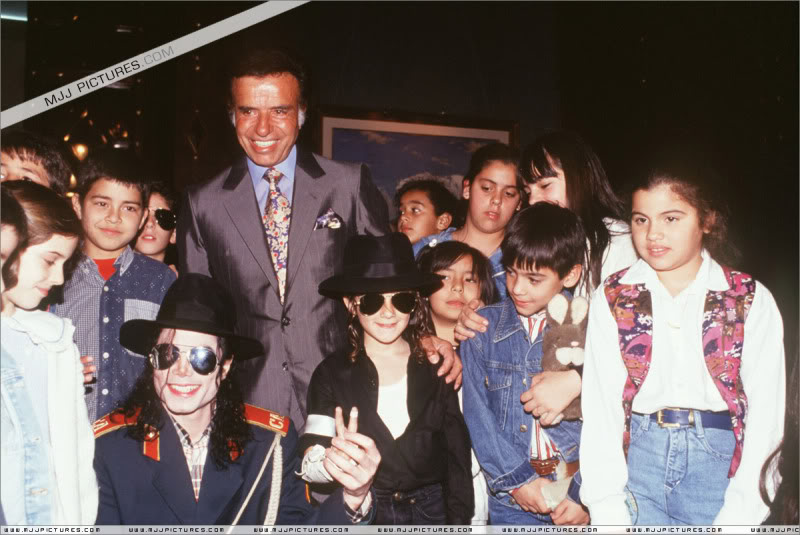 1993- Michael Visits Buenos Aires 001-45