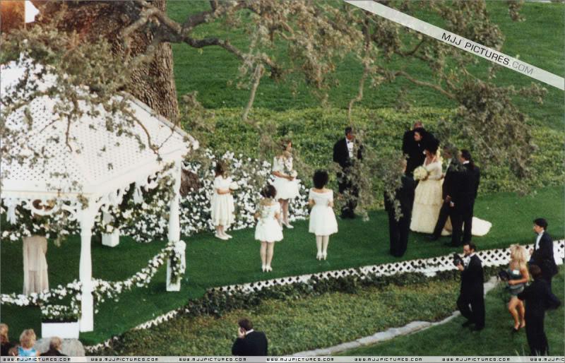 1991- Elizabeth Taylor Wedding at Neverland 002-21