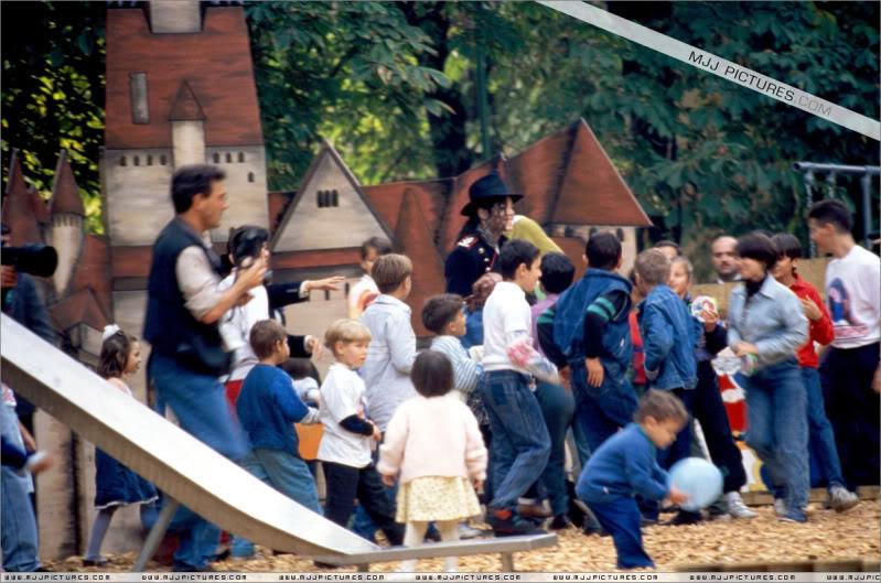 1992- Michael Visits Bucharest 002-28
