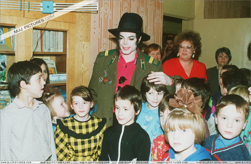 Michael Visits An Orphanage In Moscow 002-44
