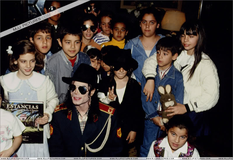 1993- Michael Visits Buenos Aires 002-45