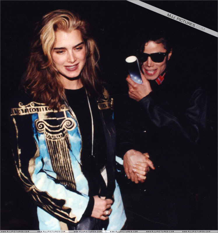 1991- Michael and Brooke Shields at The Inn Of The Seventh Ray Restaurant 003-22