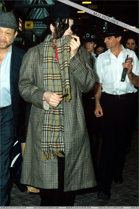 1992- Michael at the Heathrow Airport (London) 003-25