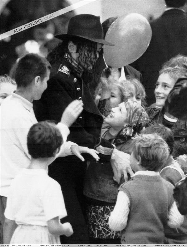 1992- Michael Visits Bucharest 003-28