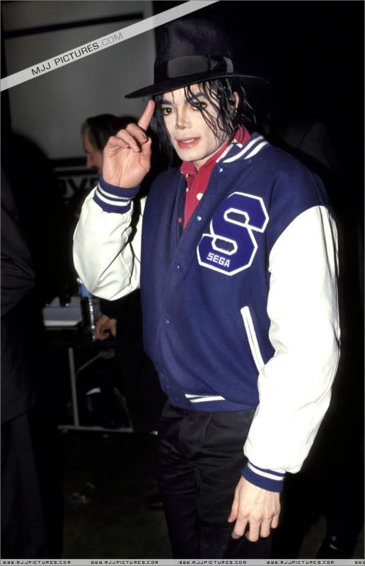 1992- Michael Visits Japan 003-31