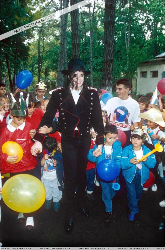 1992- Michael Visits Bucharest 004-27