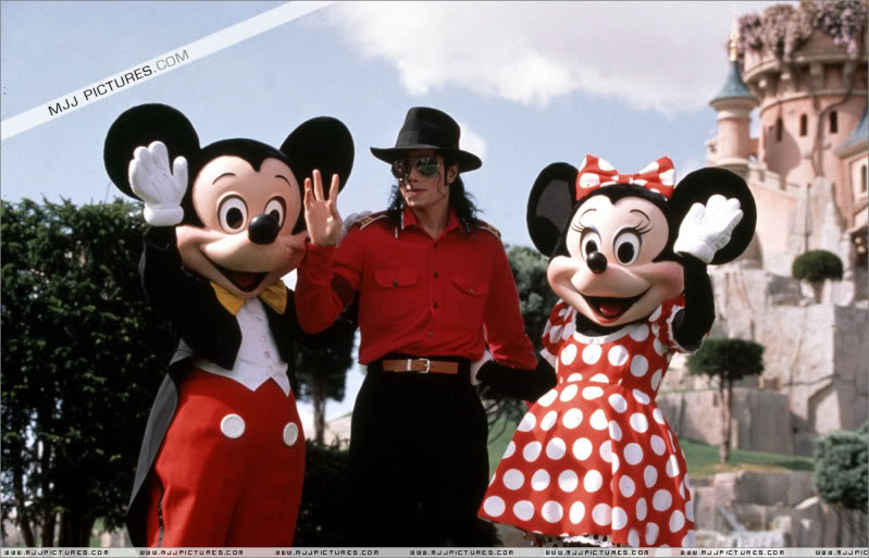 1992- Michael Visits Disneyland Paris 004-29