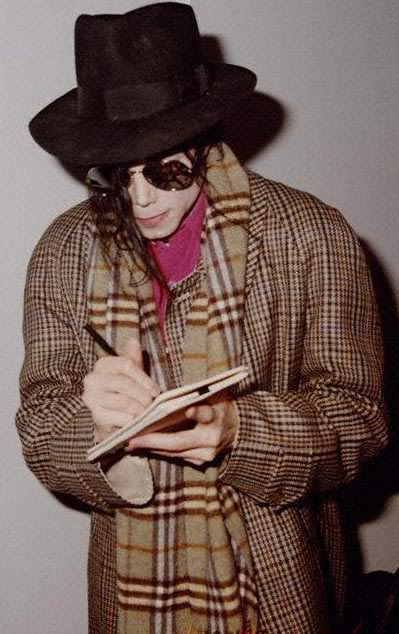 1992- Michael at the Heathrow Airport (London) 005-22