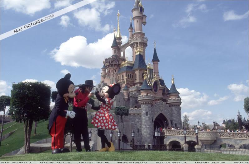 1992- Michael Visits Disneyland Paris 005-27