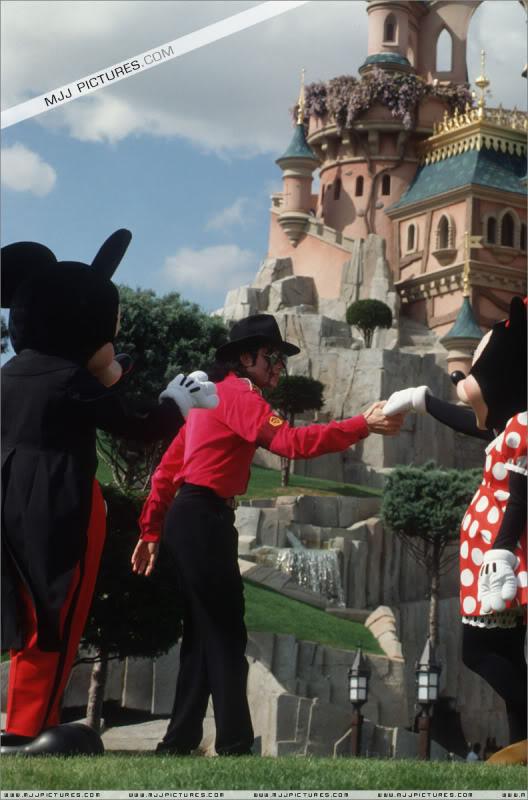 1992- Michael Visits Disneyland Paris 006-26