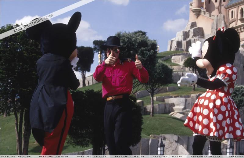 1992- Michael Visits Disneyland Paris 007-26