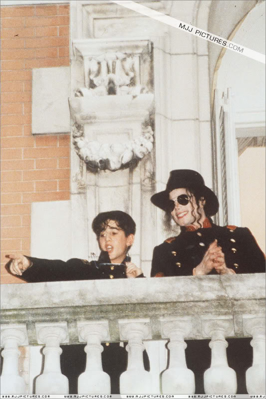1993- Michael Visits Buenos Aires 007-32
