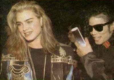 1991- Michael and Brooke Shields at The Inn Of The Seventh Ray Restaurant 008-18