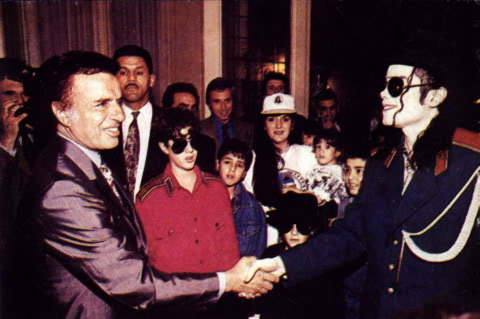 1993- Michael Visits Buenos Aires 012-22
