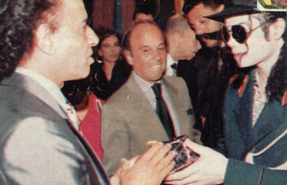 1993- Michael Visits Buenos Aires 013-20