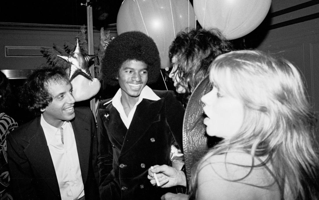 1977 Beatlemania Party 1-5