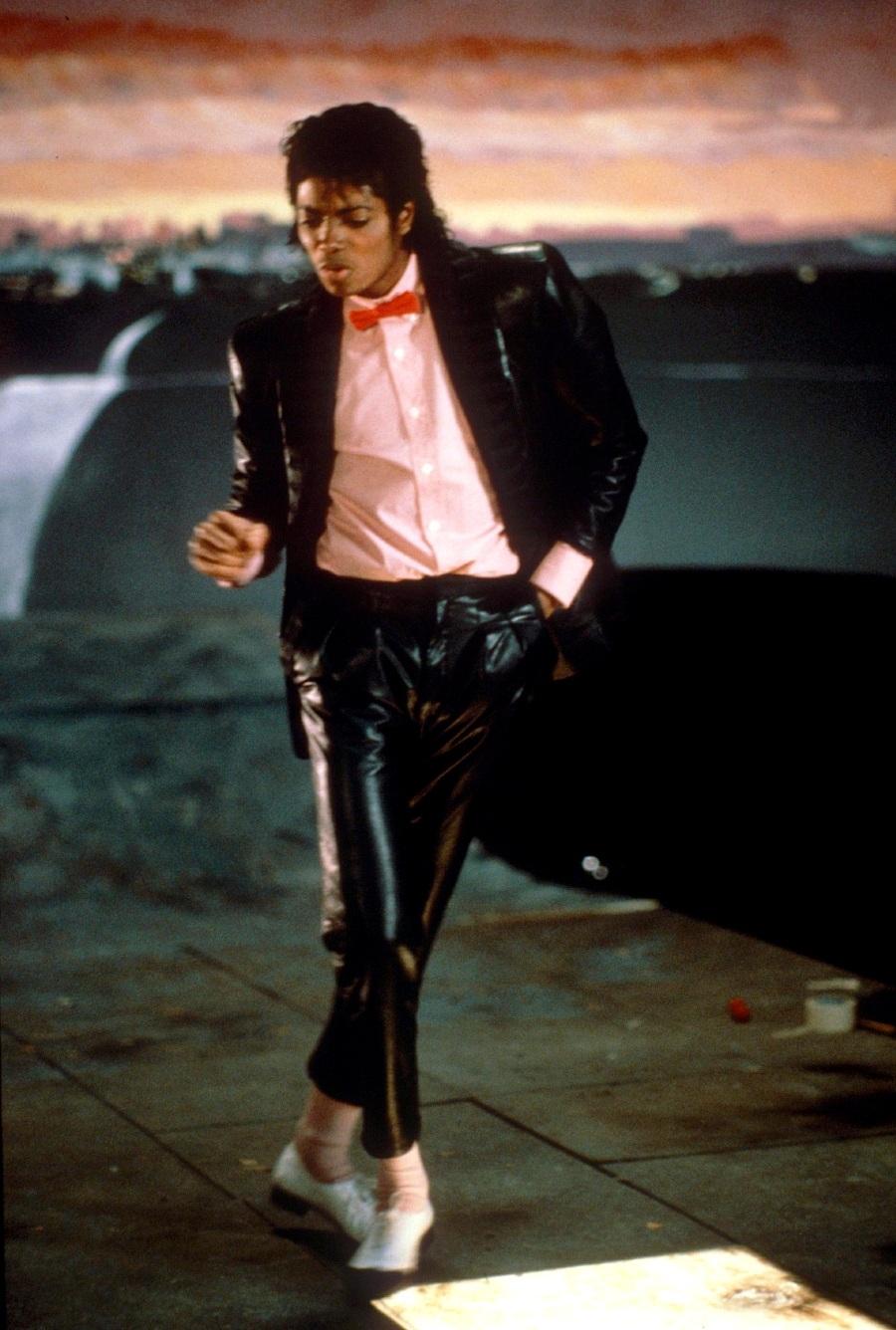 ''Billie Jean'' Set 10-17