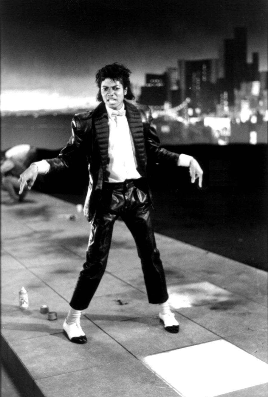 ''Billie Jean'' Set 11-18
