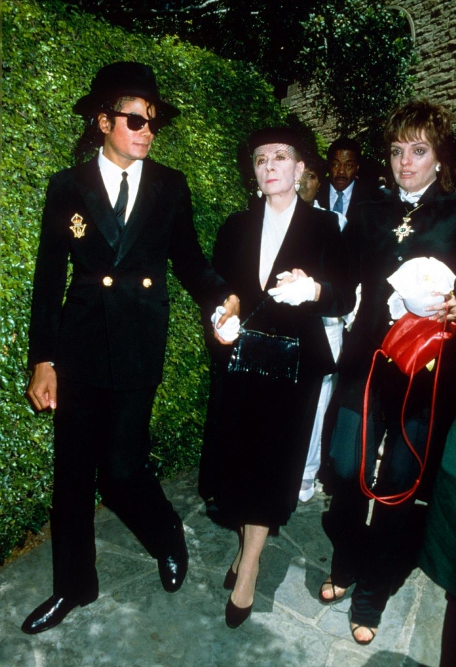 1986 Vincente Minnelli FuneralGroup 1-4