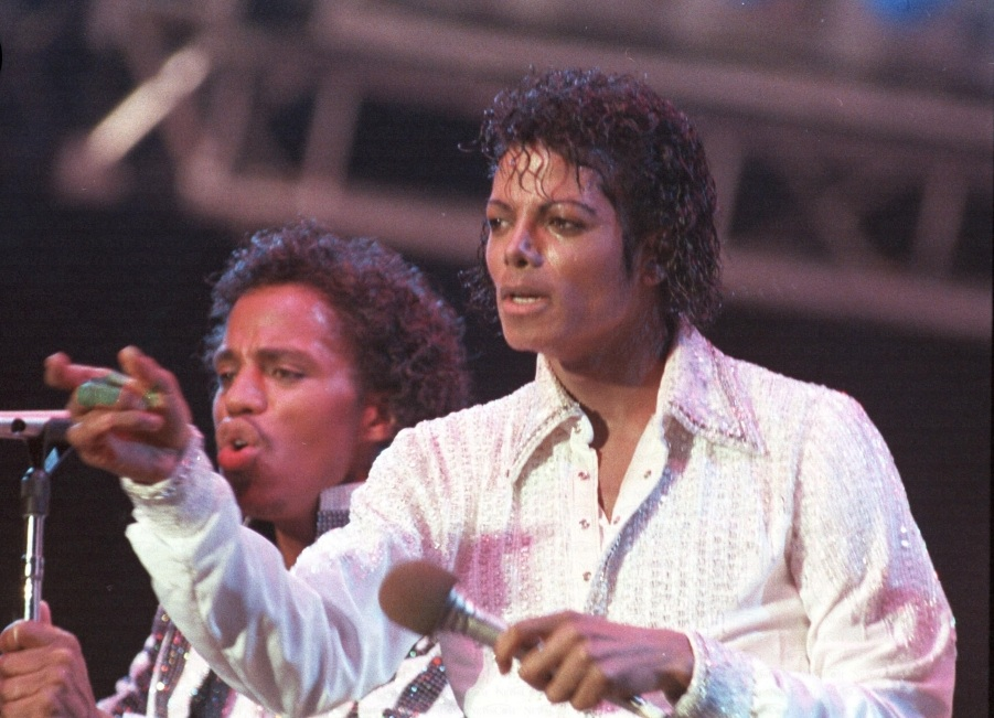 Victory Tour 32