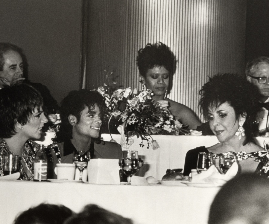 Negro College Fund Awards 1988 4-4