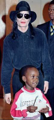 September 1998 - Michael meets 5 year old Aza Woods 01-144