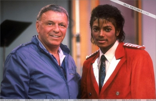 Michael's Favorite Musicians - Page 3 Frank-Sinatra-and-Michael-Jackson-frank-sinatra-8078451-600-392