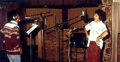 Michael's Favorite Musicians - Page 2 MJ-and-Paul-McCartney-michael-jackson-18068902-400-247