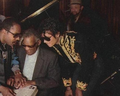 Michael's Favorite Musicians - Page 2 MJ-michael-jackson-16960085-500-402