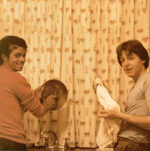 Michael's Favorite Musicians - Page 2 MichaelJacksonPaulMcCartney04d2429897d2ec99