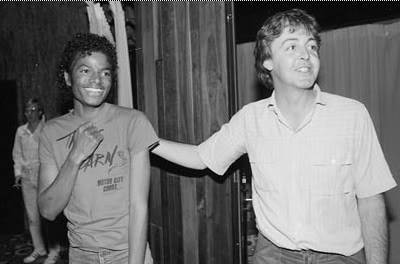 Michael's Favorite Musicians - Page 2 Michael_Jackson_and_Paul_McCartney