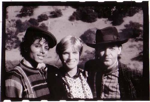 Michael's Favorite Musicians - Page 2 PAULMCCARTNEY6