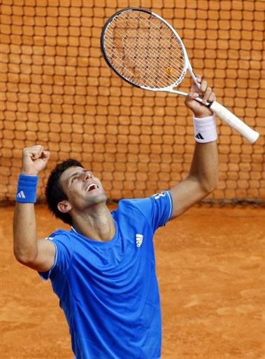 Slike Novaka Djokovica - Page 3 U2407P6T12D4332509F44DT20090418225107