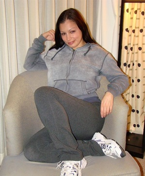 Scammer with photos of  Aria Giovanni  TKJf4At9YAabMUsIjZAQApx06QH84nk_nrPjobJvR04gNRTfrIzjLI0pBK8_h3Or