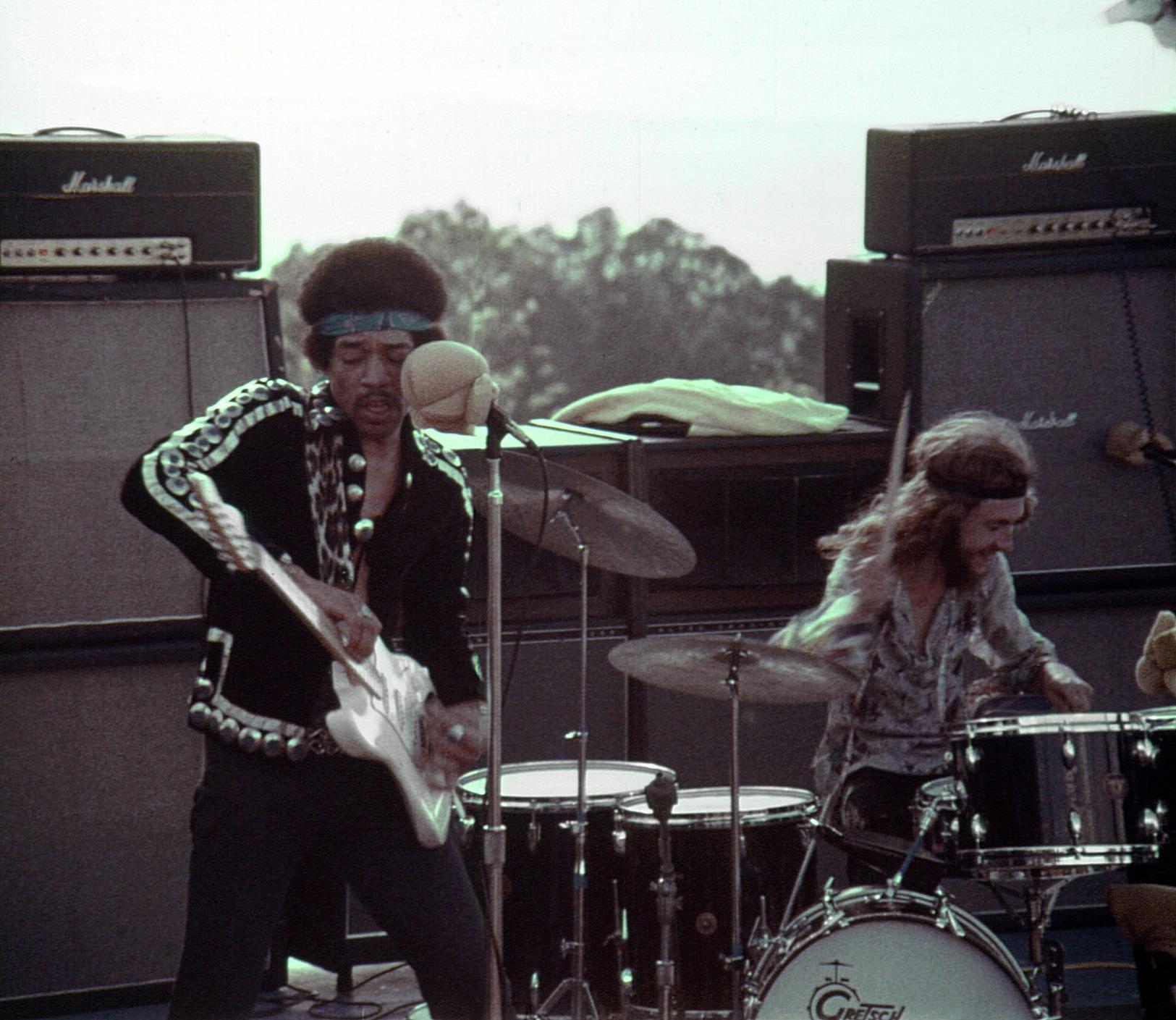 Maui (Haleakala Crater) : 30 juillet 1970 [Second concert] Ec326fa7c616e698e38d8c116fe9f084