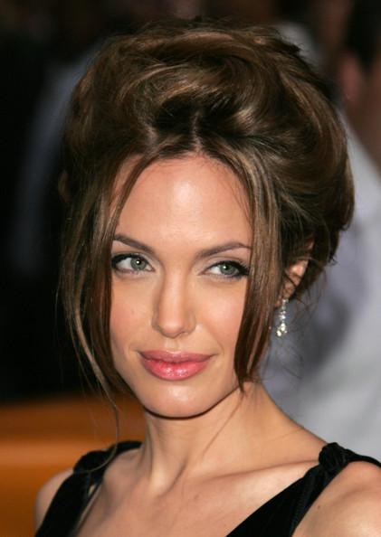 Angelina Jolie / ანჯელინა ჯოლი - Page 2 749e8c23bd39d3ca1c8098a0390e45ec