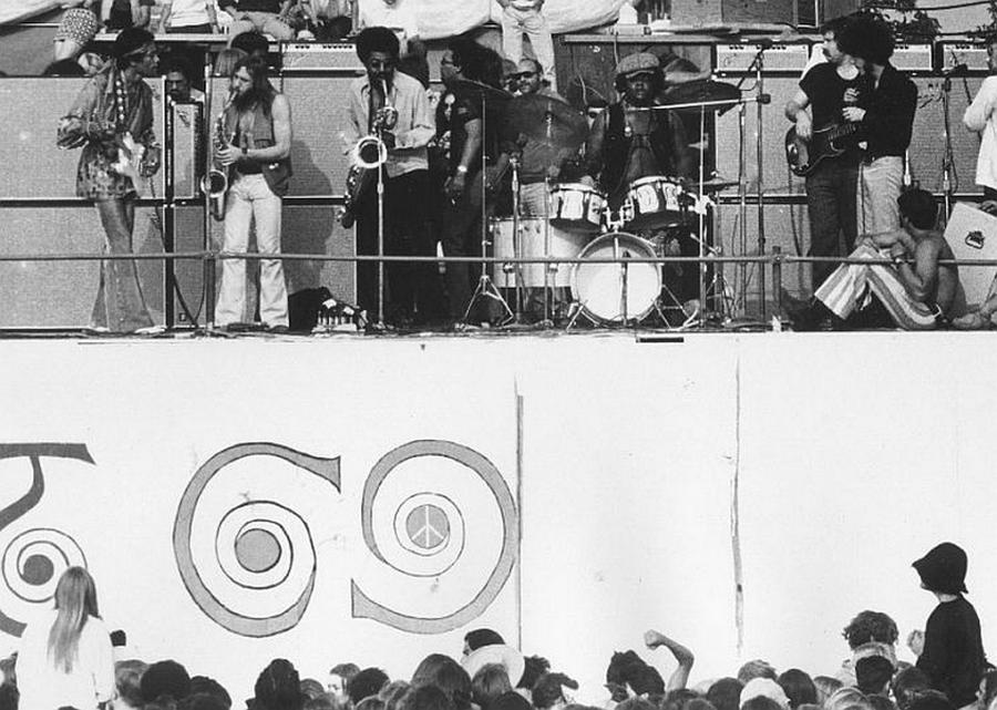 Devonshire Downs (Newport '69) : 22 juin 1969  6a12a81883d5acbc35c53b480cdc45b2