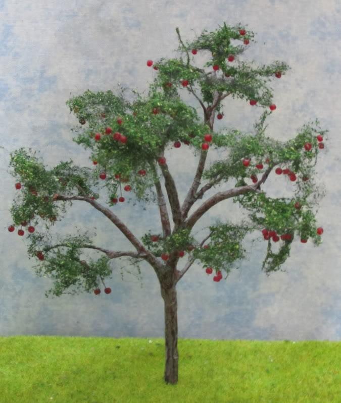 Model Apple Tree, O Gauge model apple tree