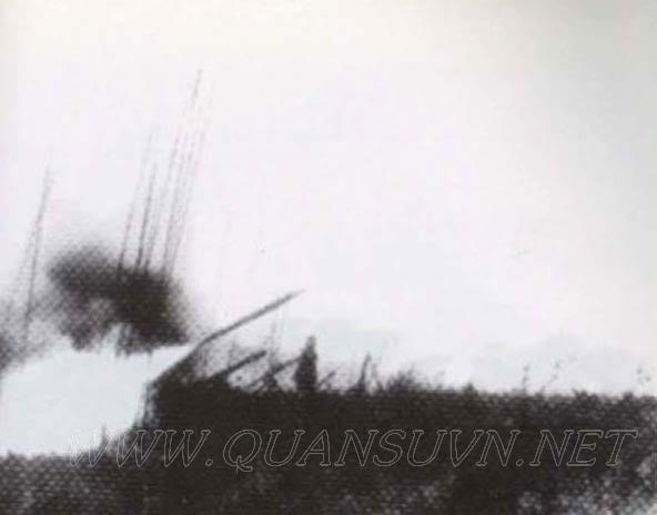 Vũ khí Việt Nam trong 2 cuộc kháng chiến - Page 3 A-12Khesanh