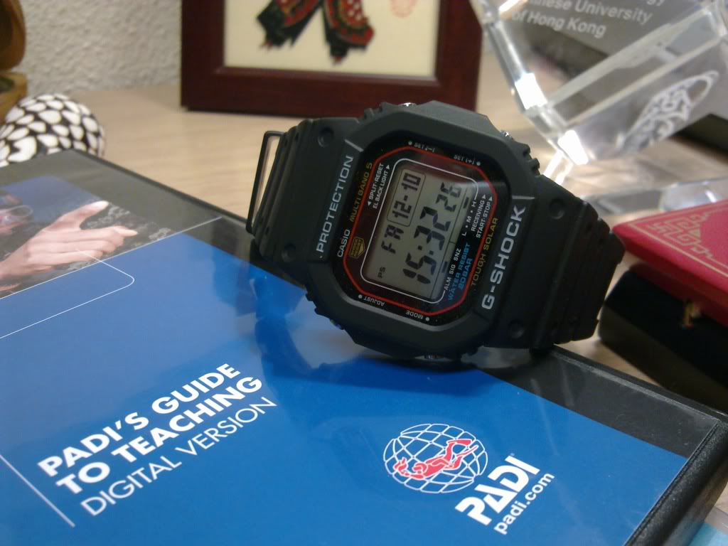 "casio -  la Casio"" g-shock ""fête ses 30 printemps ! 10122010026"