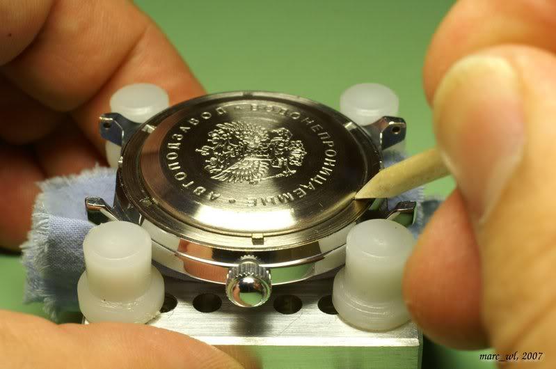 Anatomie d'une Vostok et réparation (partie 1) Amphibia_0025