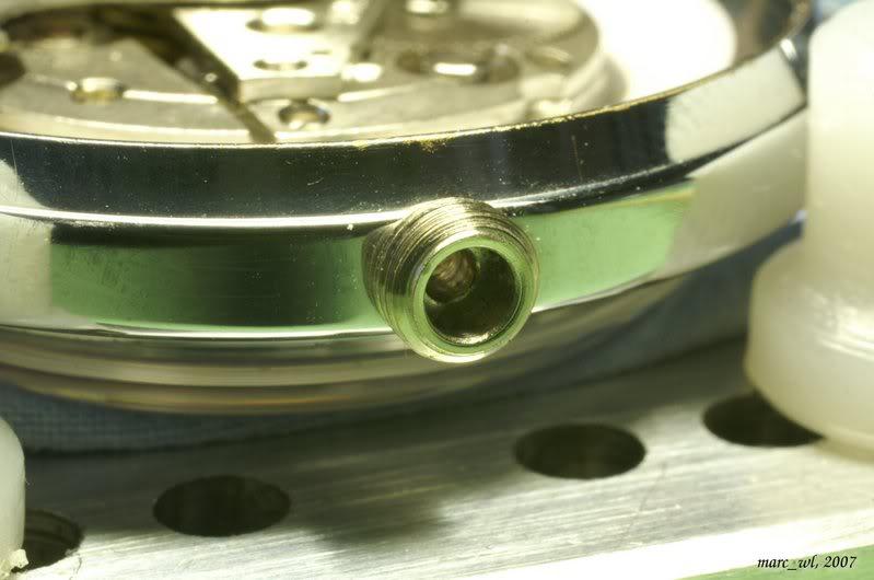Anatomie d'une Vostok et réparation (partie 1) Amphibia_0031