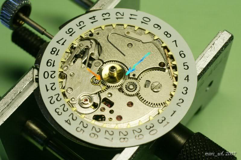 Anatomie d'une Vostok et réparation (partie 1) Amphibia_0063