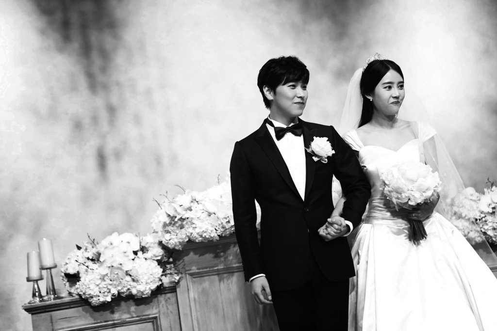 [141213] SungMin's Wedding - Página 3 160221wed7_zpspmtnor2q