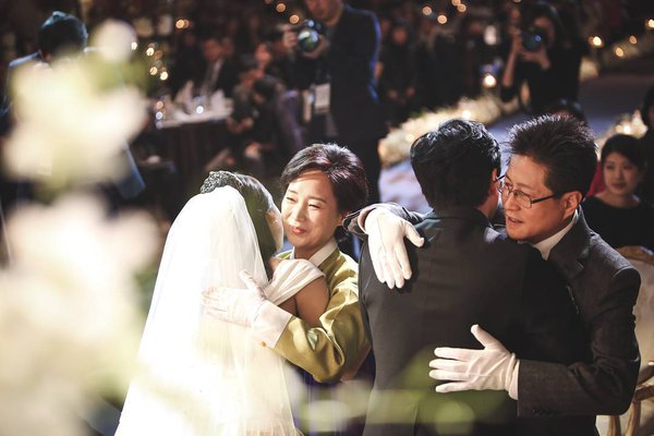 [141213] SungMin's Wedding - Página 3 160516wed06_zpst5go0uxo