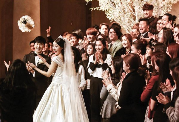 [141213] SungMin's Wedding - Página 3 160516wed12_zpsjajlh9q9