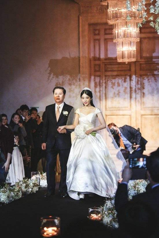[141213] SungMin's Wedding - Página 3 160527wed01_zpsz1z2gwvd