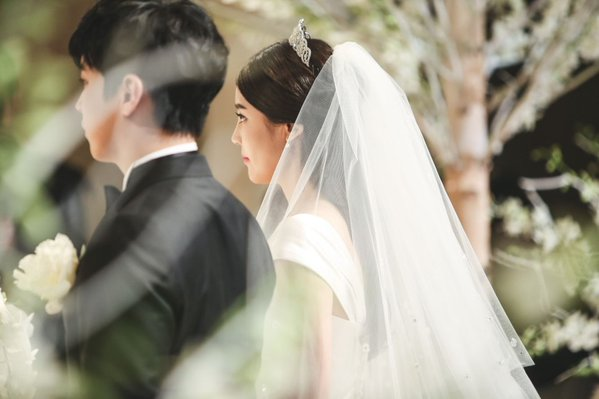 [141213] SungMin's Wedding - Página 3 160527wed06_zpsvfq2pneq