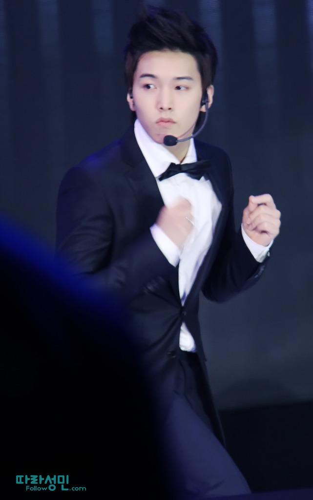 [110816] Sungmin~ Beijing Fan Meeting - Página 4 FOLLOW04_zpsnki8aodd